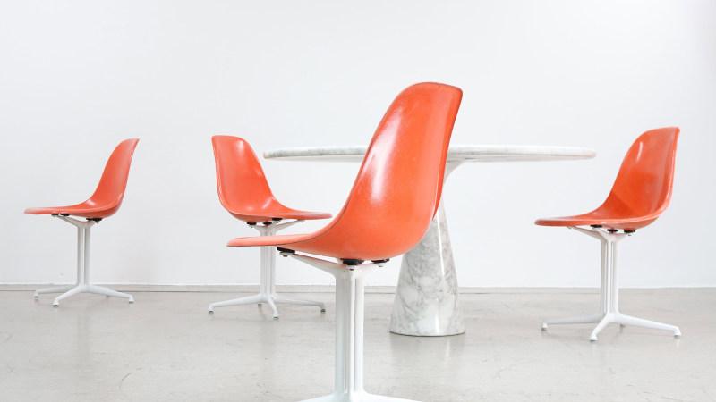 Charles Eames Set 4 La Fonda Sidechair Herman Miller : charles eames sidechair fiberglas orange herman miller1 1 from www.zorrobot.de size 800 x 450 jpeg 45kB