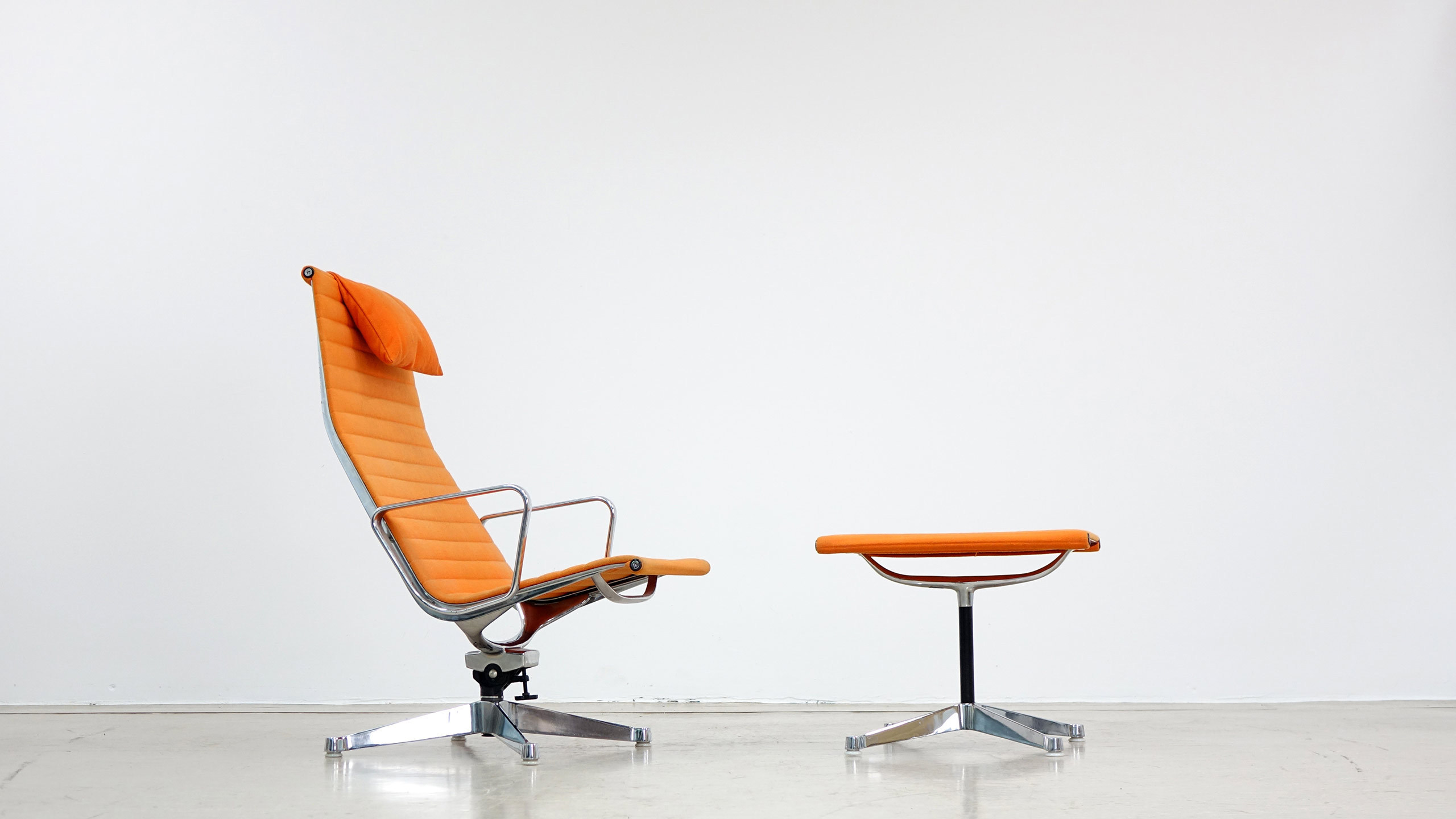 Charles eames alu lounge chair and ottoman zorrobot for Eames chair prix