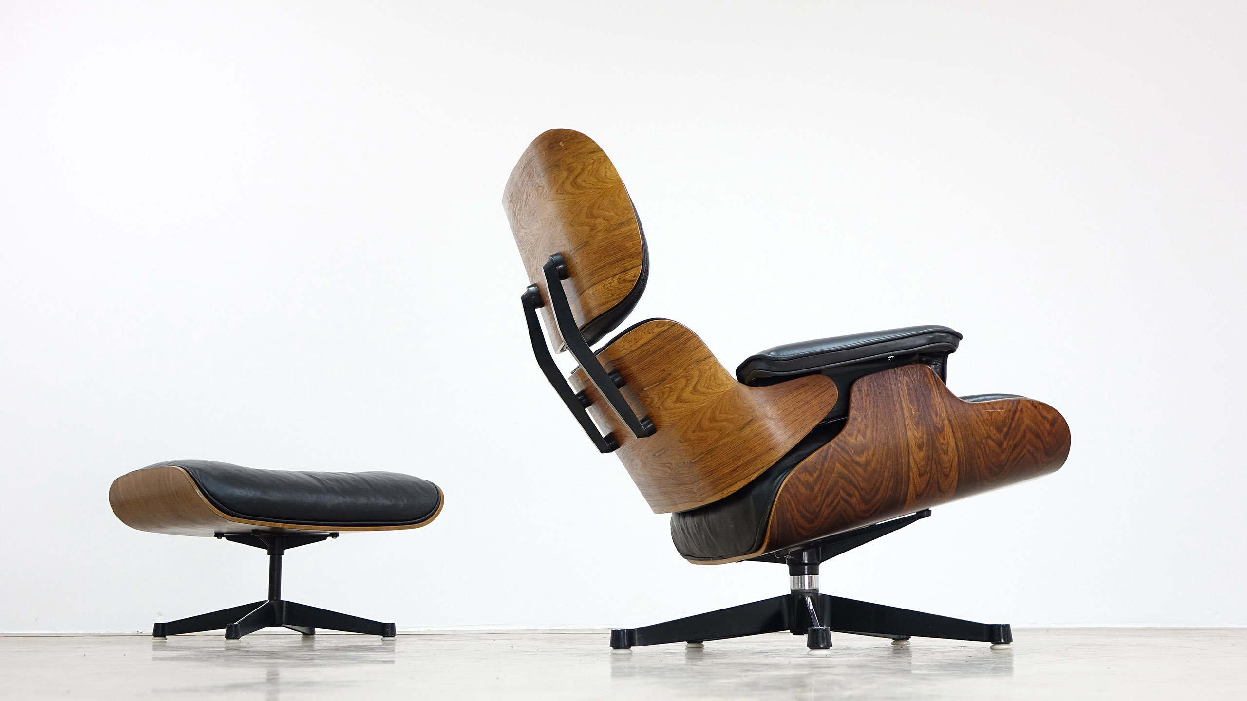 charles ray eames lounge chair by contura fehlbaum. Black Bedroom Furniture Sets. Home Design Ideas