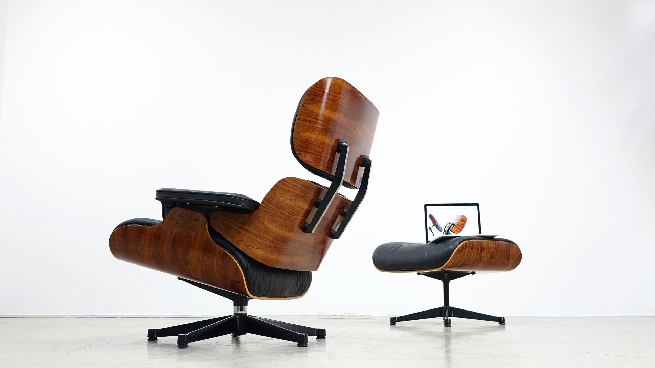 Charles eames lounge chair ottoman by vitra for Eames lounge sessel nachbau