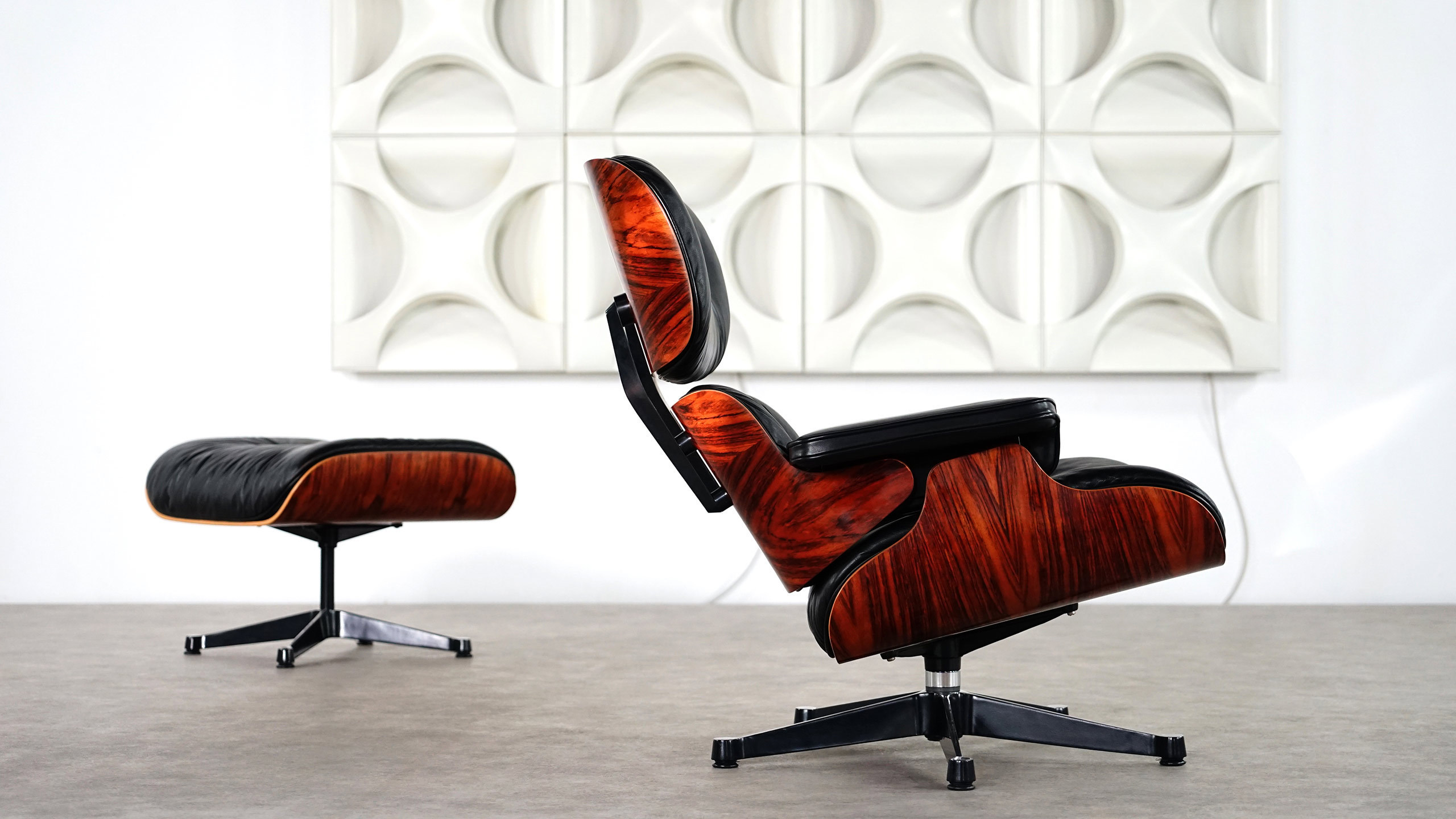 Charles Eames Lounge Chair & Ottoman by Vitra