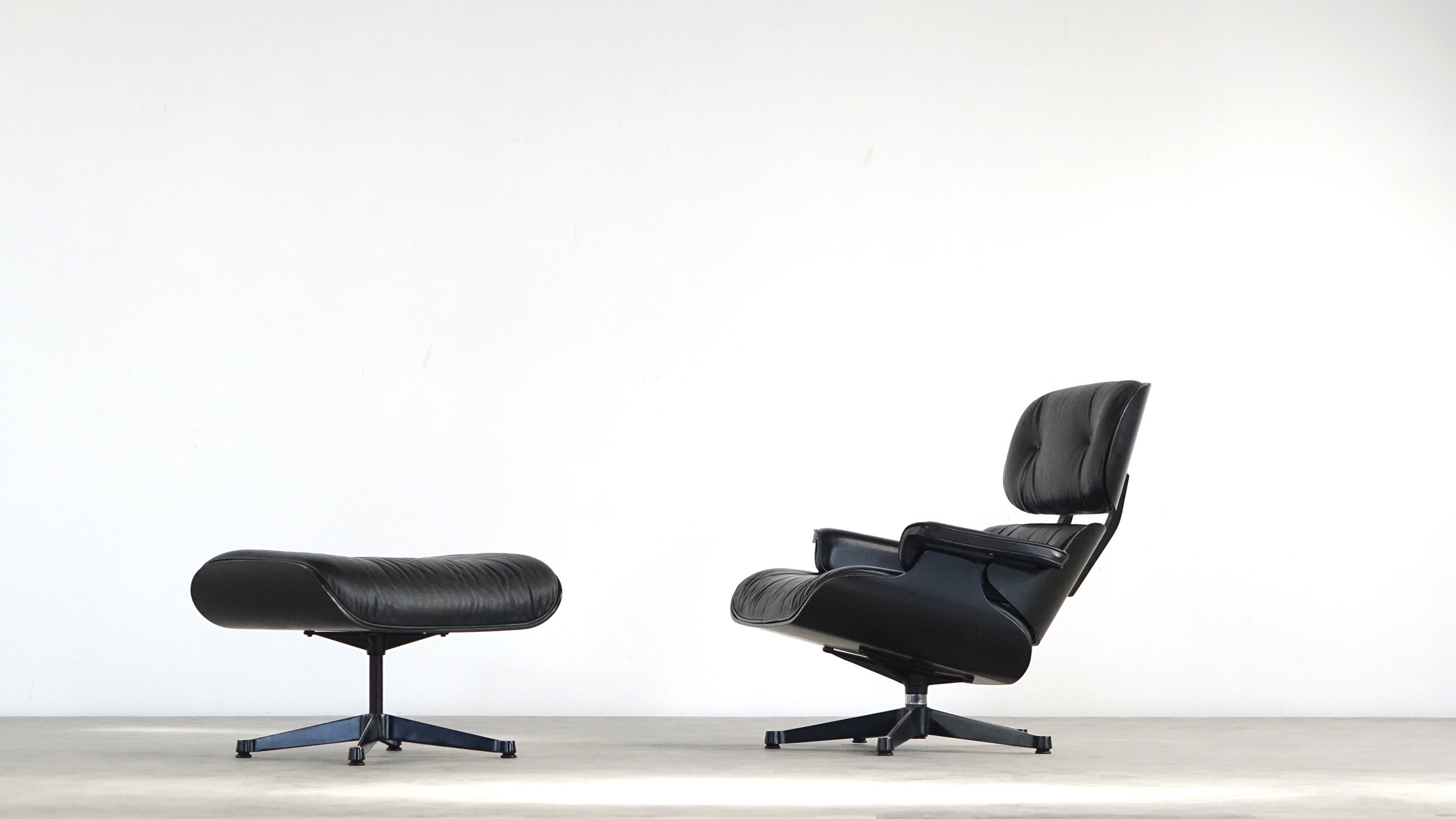 Charles ray eames herman miller lounge chair vitra for Eames lounge sessel nachbau