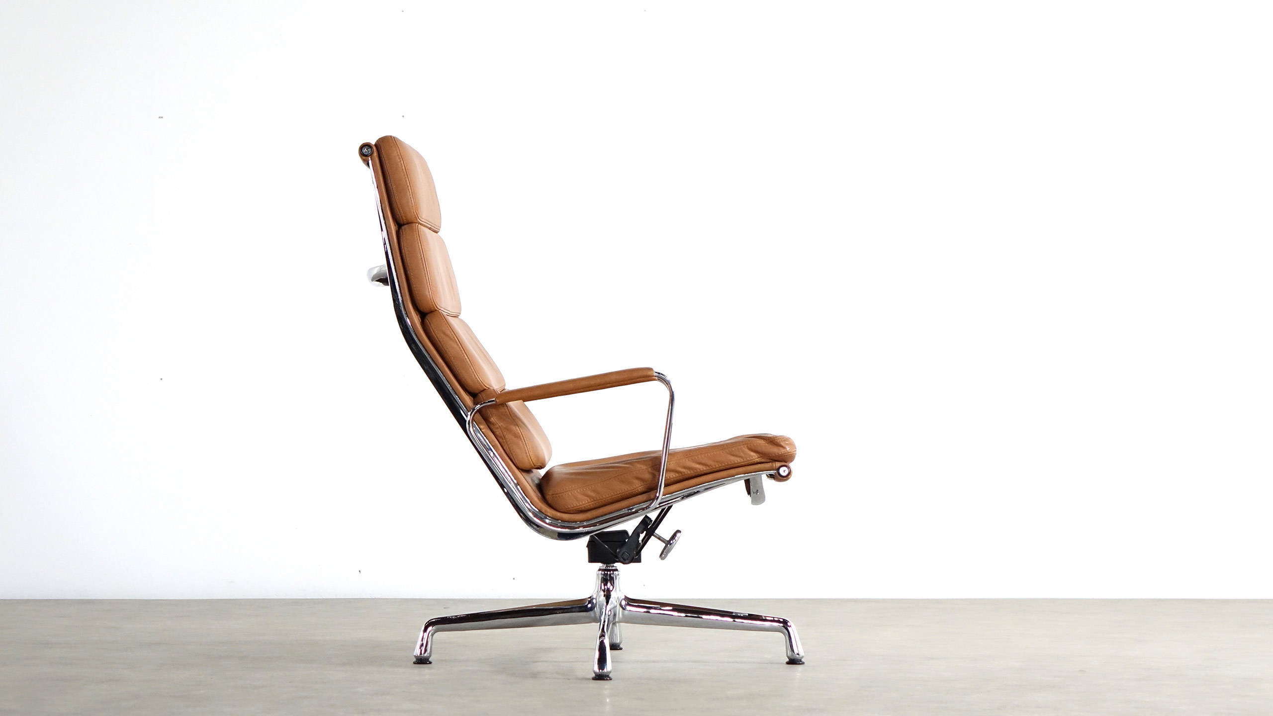 Awesome charles and ray eames chair for Vitra lounge chair nachbau