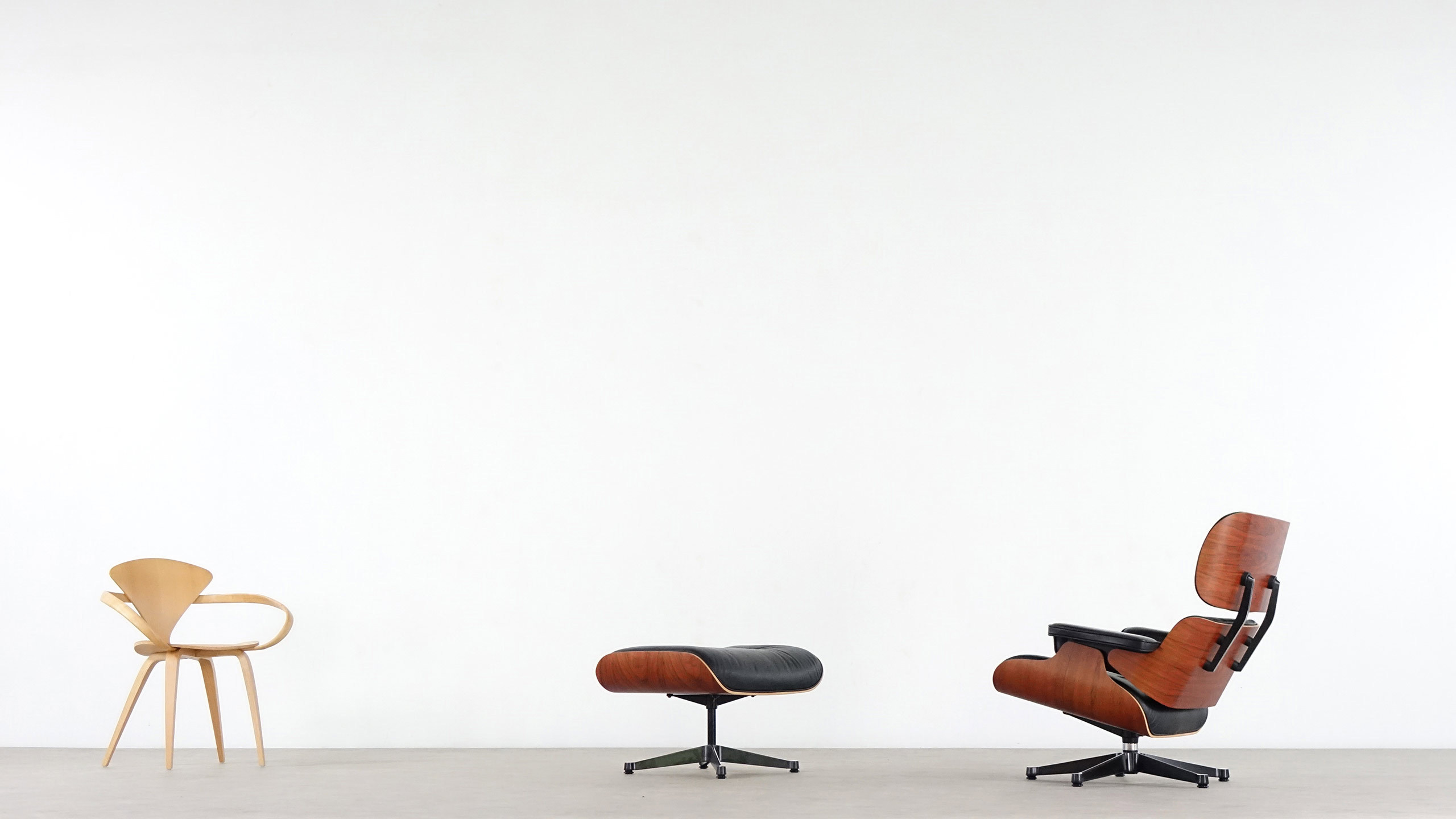Charles eames lounge chair by vitra for Eames lounge sessel nachbau