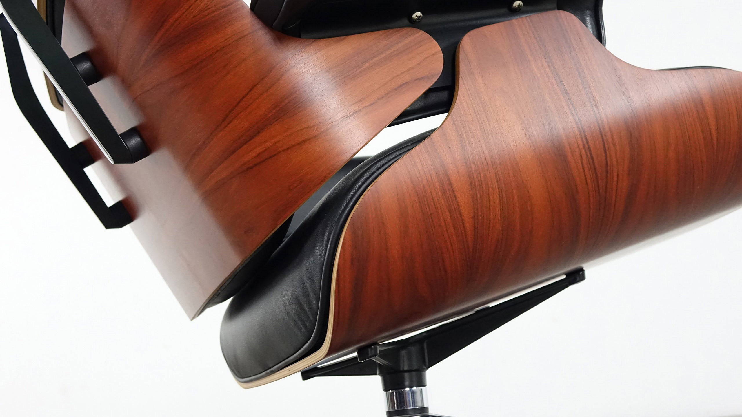 charles eames lounge chair by vitra