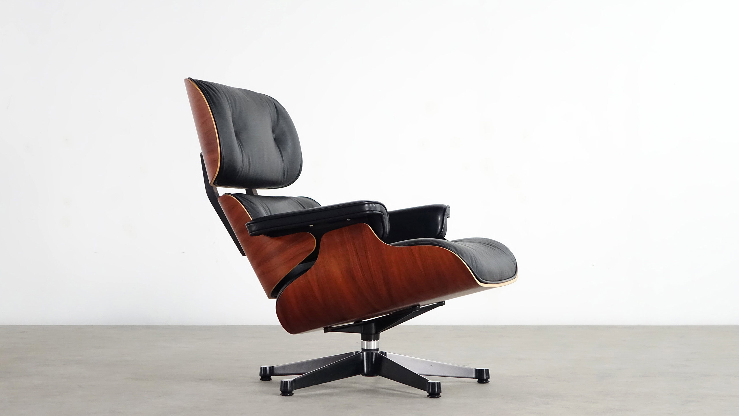 Charles eames original chair design ideas charles eames for Eames lounge sessel nachbau