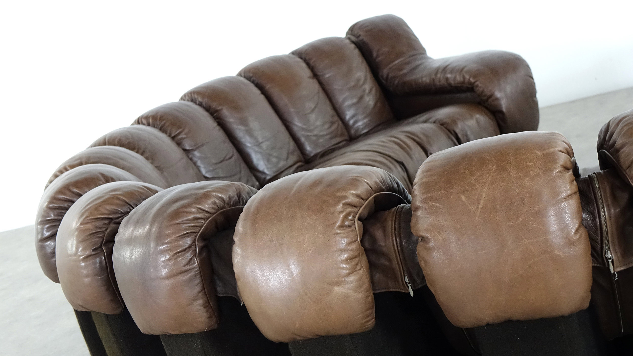 De sede ds 600 endless sofa by ueli berger riva zorrobot for Sofa 4 meter