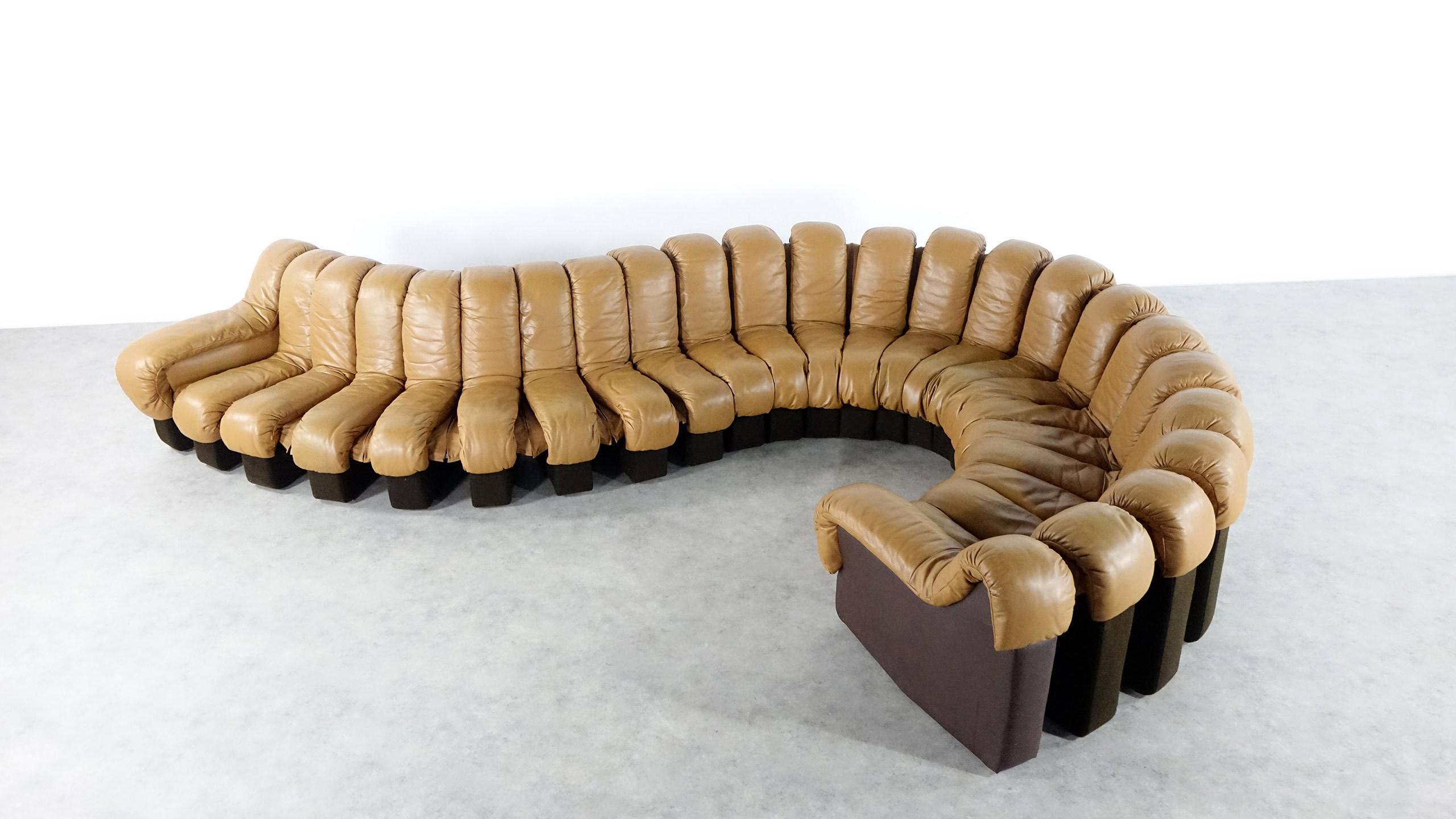 de sede ds600 nonstop canap 24 lements en cuir. Black Bedroom Furniture Sets. Home Design Ideas