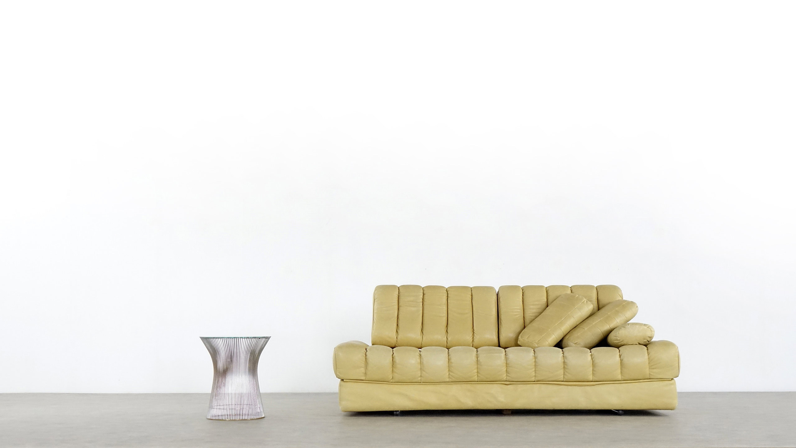 de sede ds 85 daybed 1965 leather light caramel zorrobot. Black Bedroom Furniture Sets. Home Design Ideas