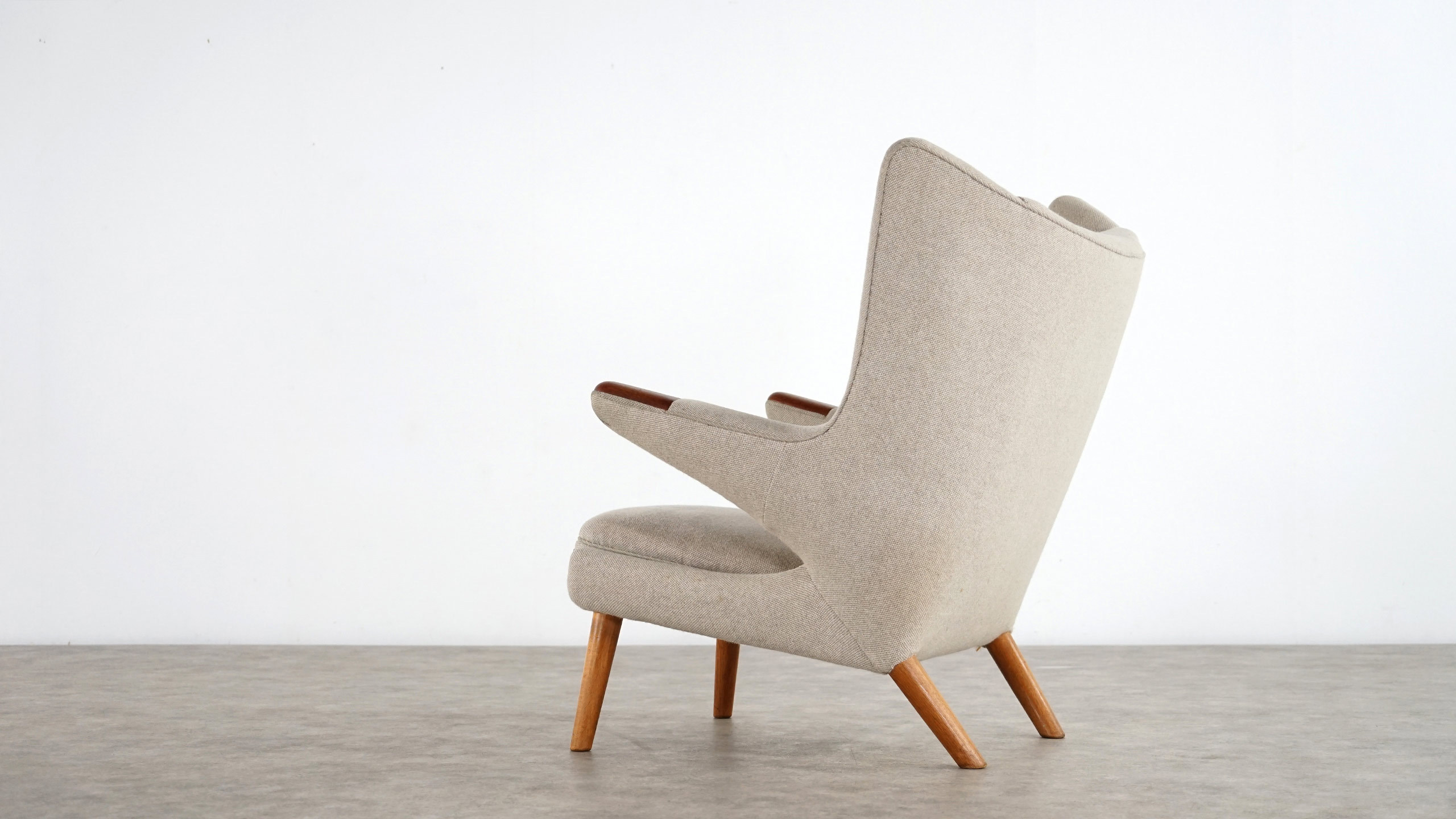 hans j wegner papa bear lounge chair ap stolen sessel. Black Bedroom Furniture Sets. Home Design Ideas